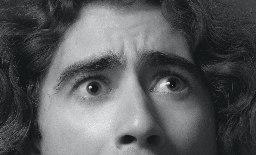 Stock Image – shocked man (cropped2)
